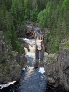 Wasserfall mit Flößerrinne